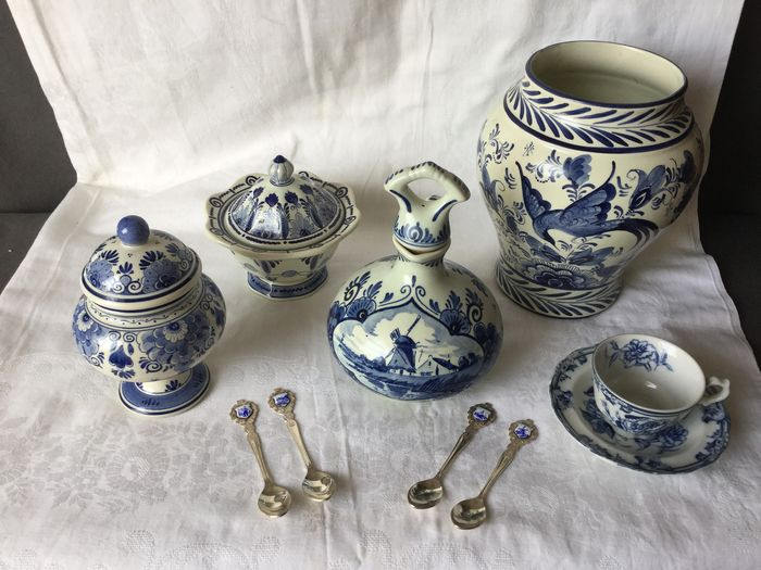 beautiful large collection of various Delfsblauw items - marked (9) - Porselein