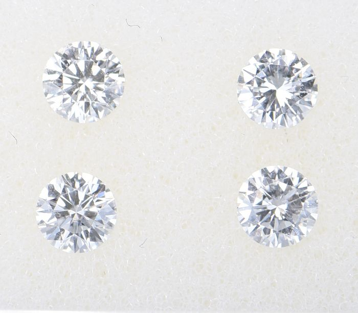 4 pcs Diamant - 0.68 ct - Brillant, Rund - D (farblos), E, F - VVS1 - VVS2     ** No Reserve Price **