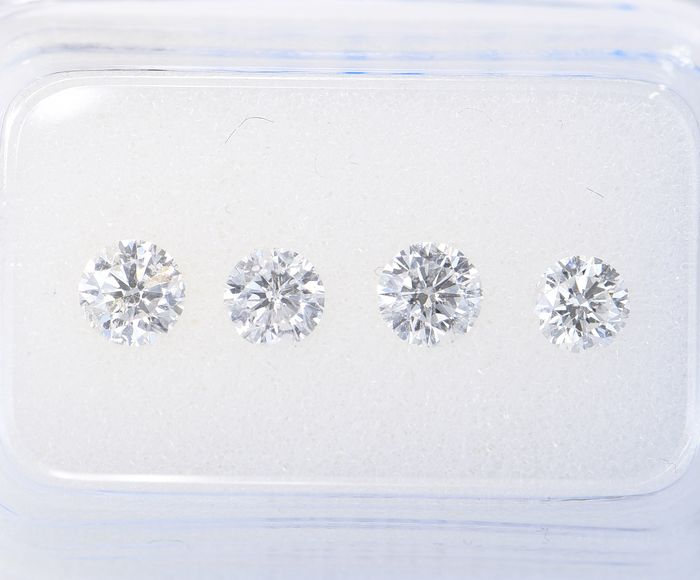 4 pcs Diamant - 0.89 ct - Brillant, Rund - D (farblos), G - SI1       SI3     ** No Reserve Price **