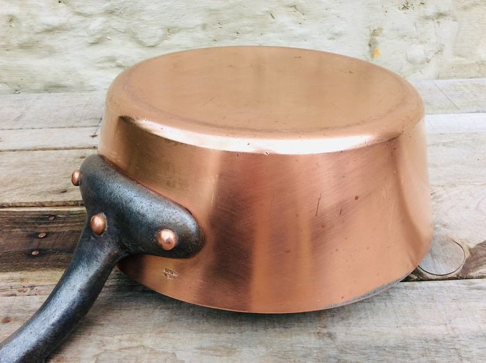 A real French tough saucepan for professional use - 3.312 kg! - Red copper