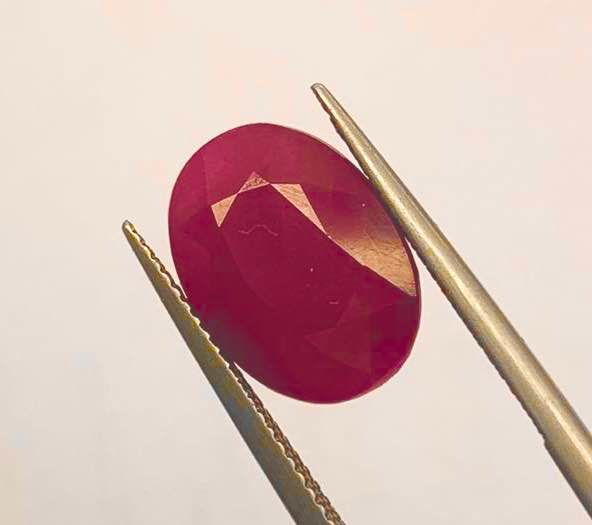 Red Ruby - 11.96 ct