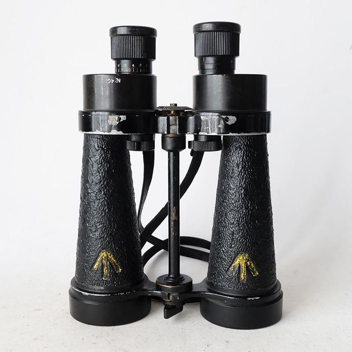 England - Navy - Barr & Stroud CF 41 English WWII marine binoculars with built-in filters