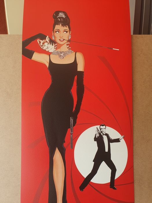 Antonio de Felipe (after) - Audrey Hepburn Y James Bond 007 fondo rojo