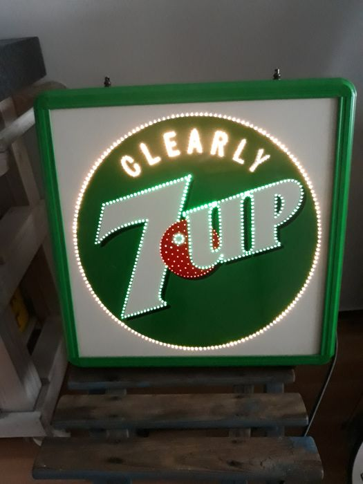 In perfecte staat; Seven Up, Moving Light, 1980 - Publicidad iluminada - plástico