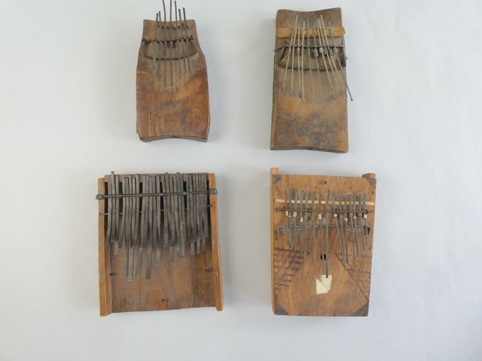 Ideophone (4) - Metal, Wood - Sanza or mbira - West Africa
