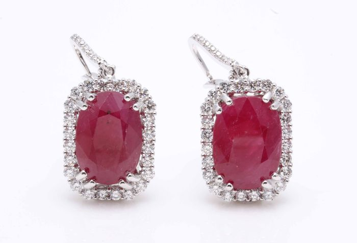Preview of the first image of 18 kt. White gold - Earrings - 26.27 ct Ruby - Diamond.