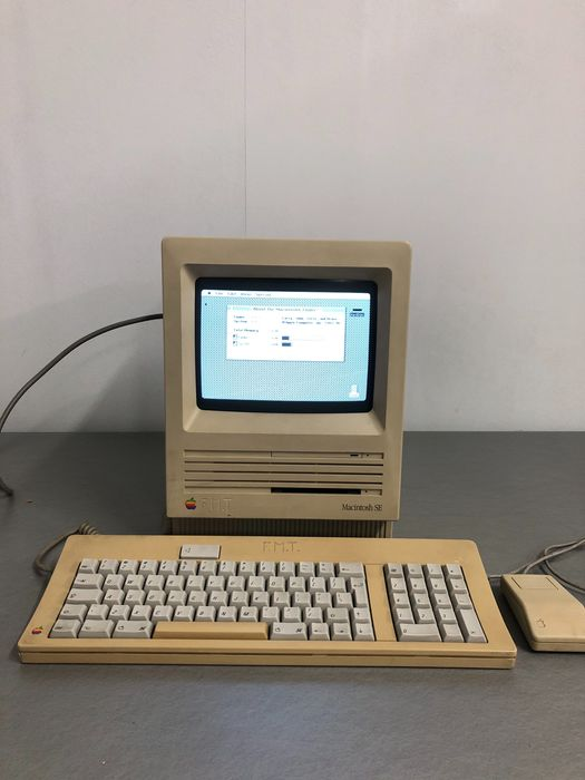 Apple Macintosh SE FDHD - M5011 - Ordenador antiguo
