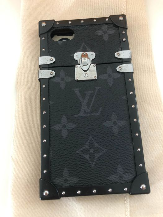 Louis Vuitton - Eye Trunk for iPhone 6s/7/8 Phone cover - Catawiki