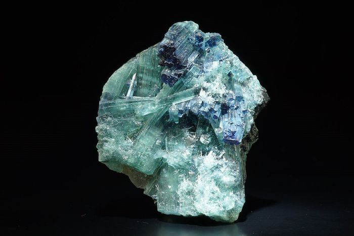 INDICOLITE ( Blue Tourmaline ) crystal combination with color zoning - Connecting with Higher Realms - 27×22×17 mm - 9.52 g