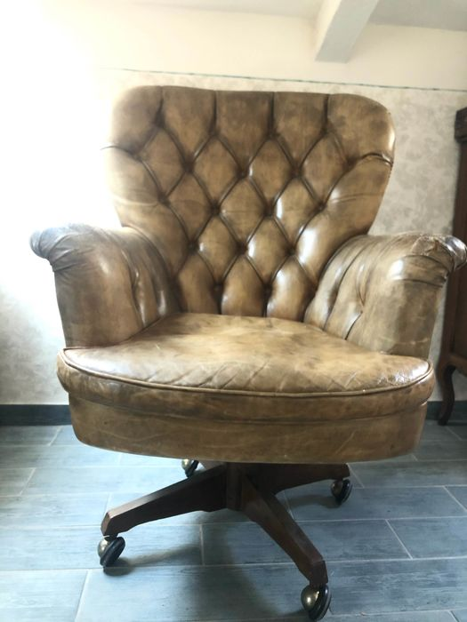 Chesterfield Style - Armchair, Chesterfield style