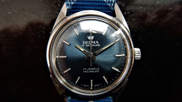 Delma - A Gentleman's 3ATM Sports/Dress Watch - 417446 - Hombre - The 'Swinging Sixties'