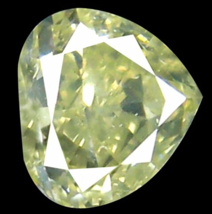 1 pcs Diamante - 0.21 ct - Corazón - fancy light greenish yellow - I1, *NO RESERVE*