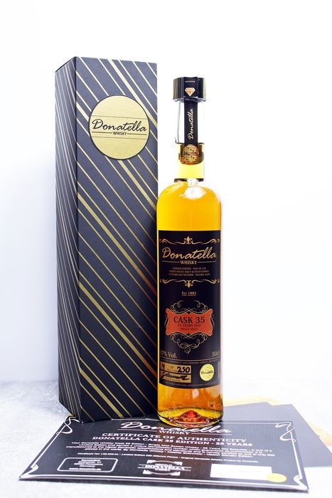 Donatella Whisky 35 years old Cask 35 - One of 250 bottles - 50 cl