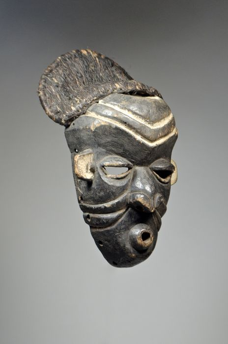 Mask - Raphia, Wood - Mbuya - PENDE - Democratic Republic of Congo