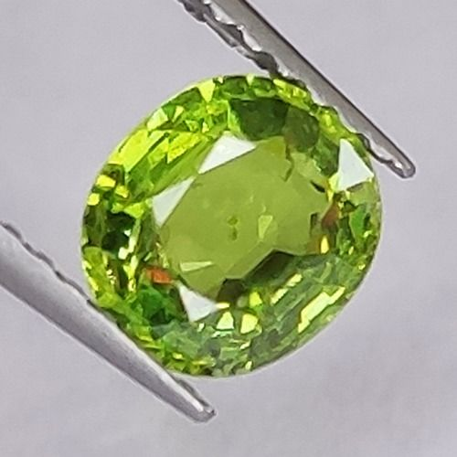 Demantoide, Granate - 0.97 ct
