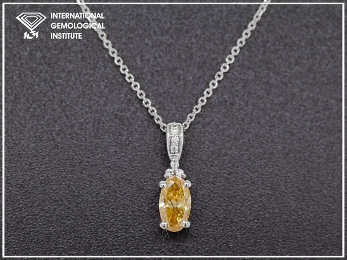 14 quilates Oro blanco, 1,65 g - Collar con colgante - 0.38 ct Diamante - Fancy Deep Brown Yellow - Sin precio de reserva