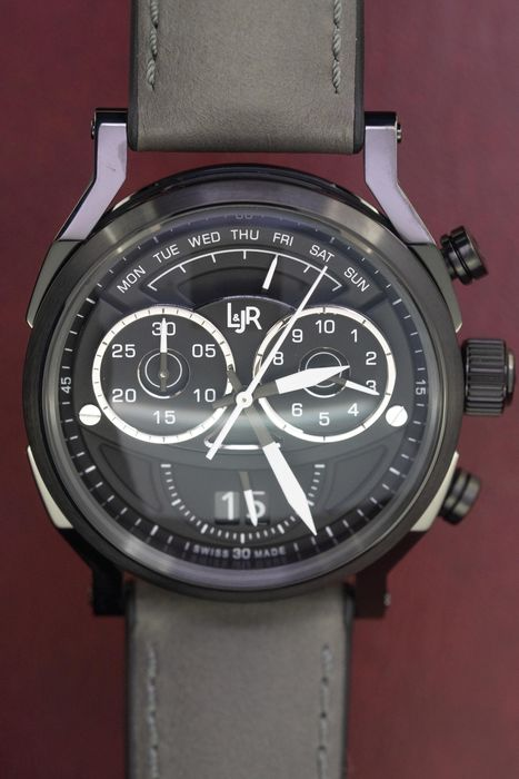 L&Jr - Chronograph Day and Date Black Dial and Grey Strap + Extra Grey Strap - S1505 - Uomo - 2011-presente