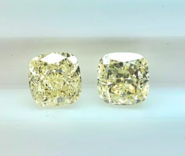 2 pcs Diamanten - 3.12 ct - Cushion - fancy light yellow - VS1, VVS2