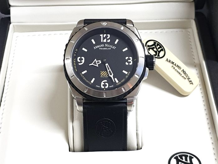 Armand Nicolet - S03 Military - Black Dial Hours & Minutes - Black Rubber Strap - A713KGN-NR-G9610 Automatic Swiss Made - Herren - New