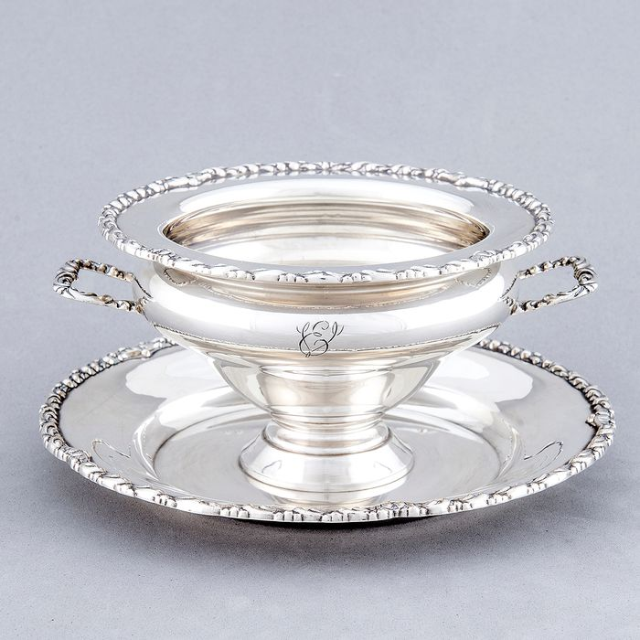Service container - .915 silver - 445 gr. de Plata - Spain - First half 20th century