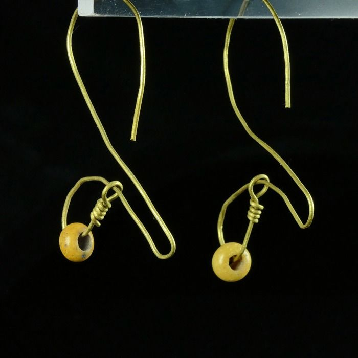 Prehistoric, Iron Age Gold Earrings with Celtic yellow glass beads, RARE