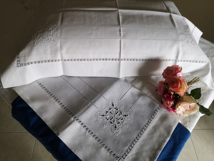 double bed sheet in 100% pure linen with antique stitch and full stitch embroidery - Linen - After 2000