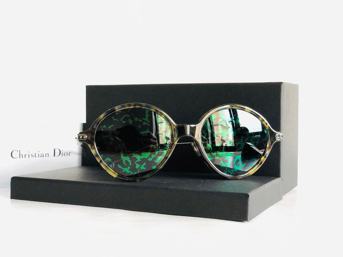 Christian Dior - DIORUMBRAGE-OX8 52, Green Blue Havana PLD, Mirrored Reflective Floral lenses, *Brand new & Unused Sunglasses