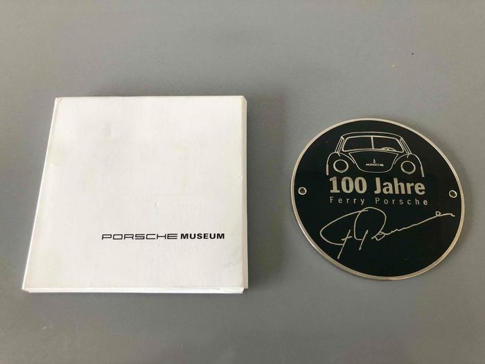 Emblem/ Kühlerfigur - Grill badge '100 Jahre Ferdinand Porsche' including sew-on badge - Porsche