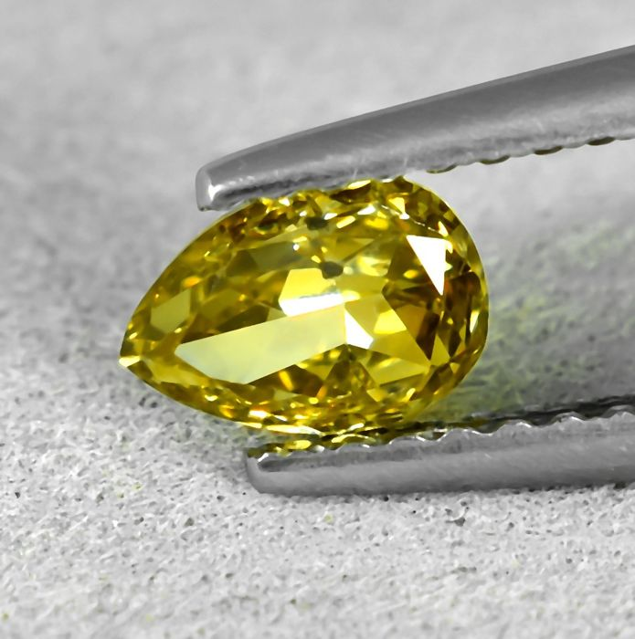 Diamant - 0.50 ct - Peer - Natural Fancy Brownish Greenish Yellow - SI2