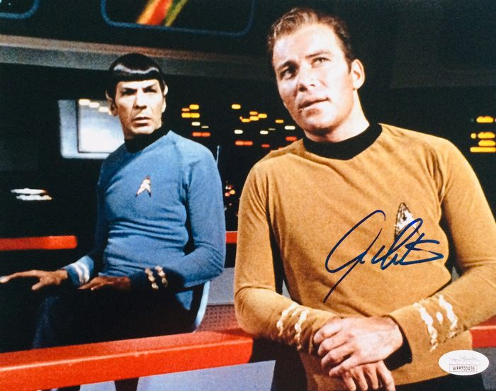 Star Trek - William Shatner ( Captain James T. Kirk ) - Autograph, Photogrph, Signed, with COA