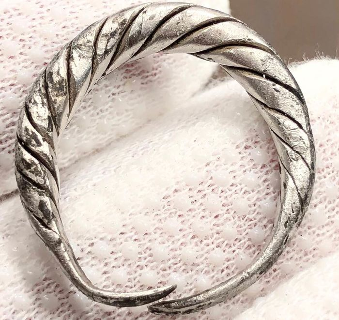 Viking Age / Silver Excellent  Twisted Ring.