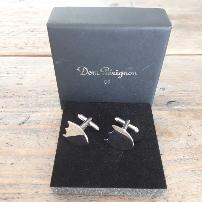 Set of Dom Perignon cufflinks in box - Champagne