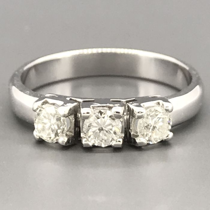 18 carats Or blanc - Bague - 0.69 ct Diamant