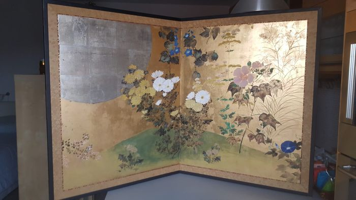 Folding screen (1) - Decoration on gold leaf - Maple - spring, floral, moon - Moon and Flowers - Japan - ca. 1920 early Showa period