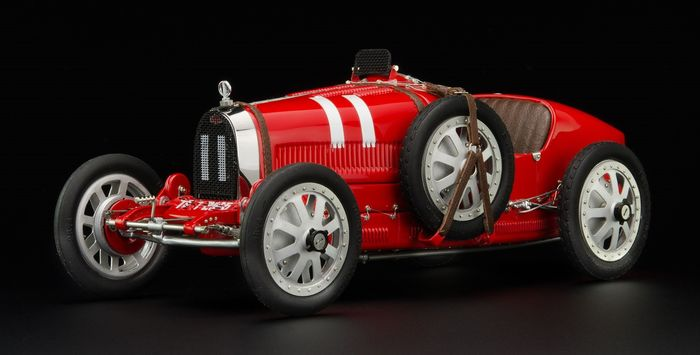 CMC - 1:18 - Bugatti T35 - Team Italy - Grand Prix nations colours - Very detailed model!