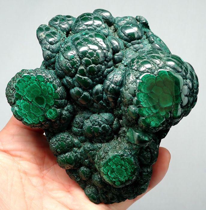 Very Rare Malachite Freeform with Face pattern - 116×102×43 mm - 637.2 g