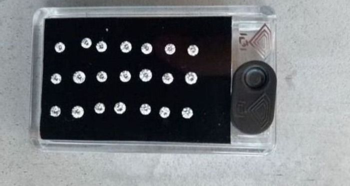 21 pcs Diamants - 2.12 ct - Brillant - Lowest color I+ - Lowest clarity SI in box