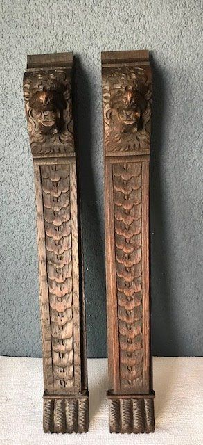 2 well-carved wooden ornaments with lion heads - Oak, Wood - Late 19th century
