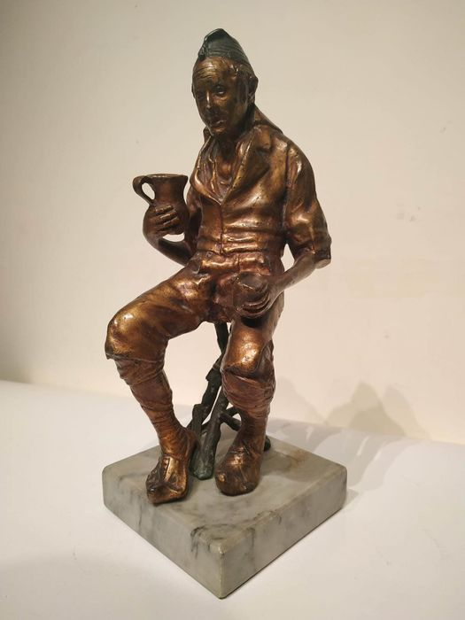"""Attribuito a Pasquale Fosca - Sculpture, """"The Drinker"""" - Patinated bronze - Early 20th century"""