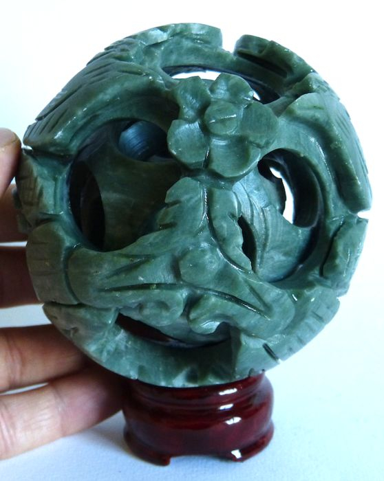 Hand-carved nephrite puzzle sphere - 9.7 cm - 512 g