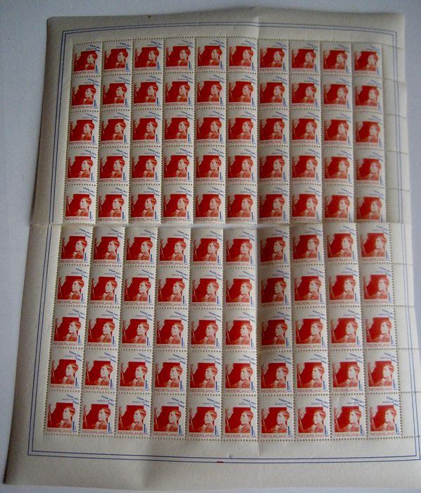 Netherlands 1931 - Children's Aid stamp, complete sheet of one hundred stamps separated in two halves, including plate errors - NVPH 240