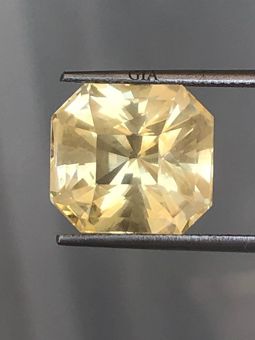 1 pcs Geel Saffier - 15.40 ct