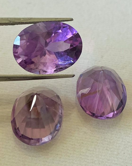 3 pcs Light Purple - No Reserve - Amethyst - 25.25 ct