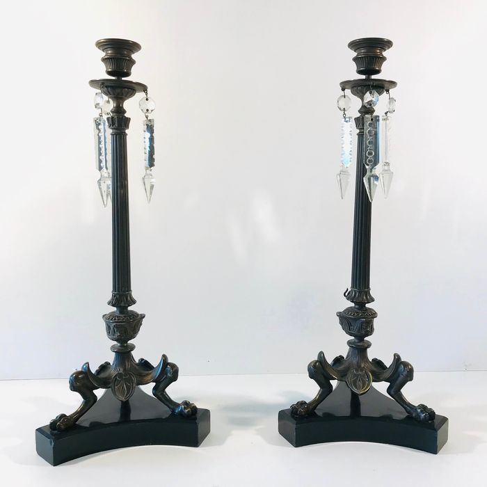 Pair of bokkenpoot candlesticks on black marble base finished with (2) - Napoleon III Style - Bronze, Crystal, Marble - Late 19th century