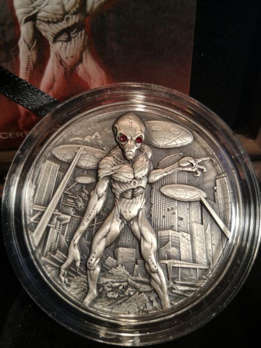 Chad - 10.000 Francs 2018 Republic du Tchad Silver Antique Alien Invasion - 2 oz - Silver