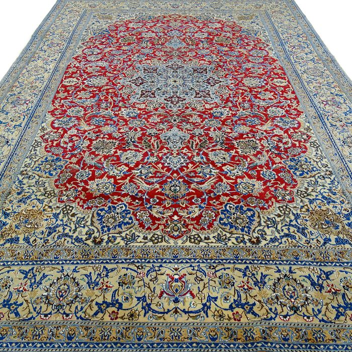 Nain - Rug with silk - 340 cm - 240 cm