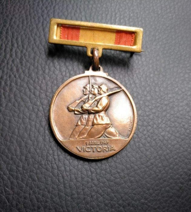 Spain - Army - Condor Legion - CTV Italiano - Victory and Rising Medal - Civil War - 1938