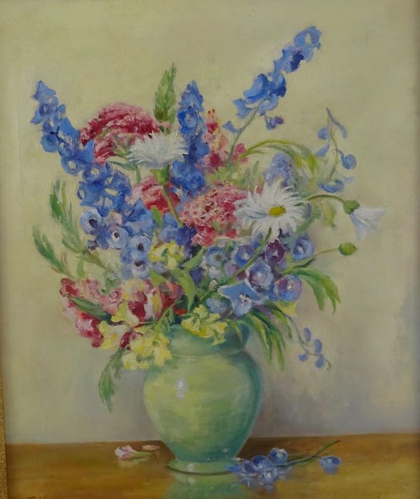 H. Todd (20th century) - Still life of a vase of flowers