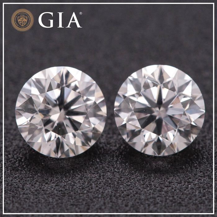 2 pcs Diamants - 1.01 ct - Brillant - faint pink - VS2