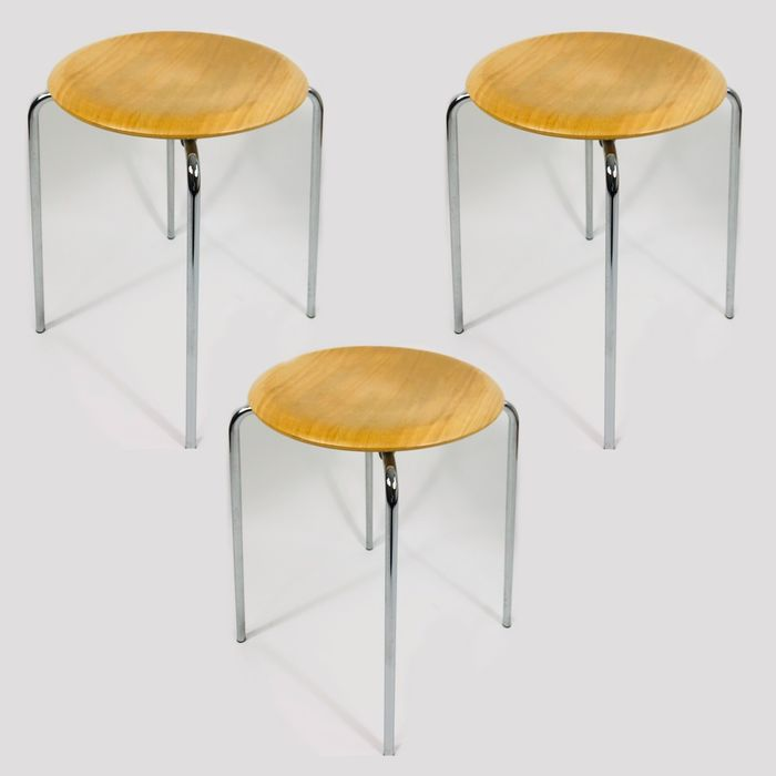 "Arne Jacobsen - Fritz Hansen - Stool, ( 3 pieces ) (3) - ""DOT"""